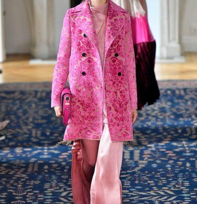 Amei os tons cor de rosa na coleção de Valentino.