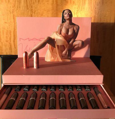 Batons nudes com tudo na coleção de Nicki Minaj MAC.