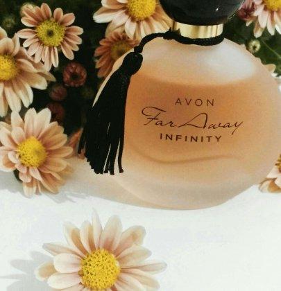 Perfume Infinity revisión Lejos Avon.