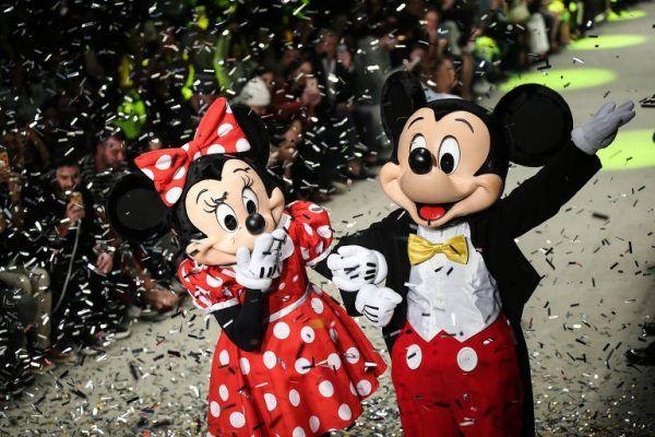 Desfile une Mickey Mouse a uma moda mais diversificada