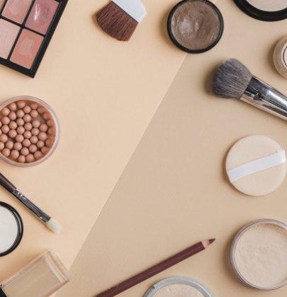 Faça o teste do primer de maquiagem.