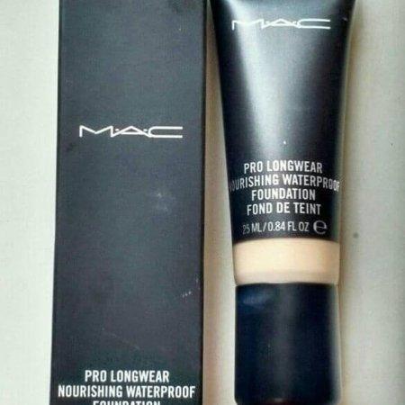 Base Pro longwear MAC resenha.